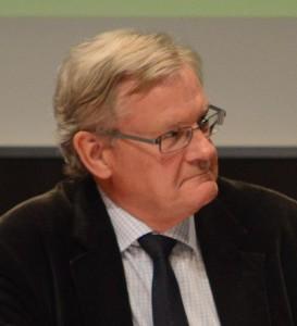 Douglas Roth (M) anser inte att Jacob Karlsson har rätt till ersättning för uteblivna vinster om avtalet hävs, möjligen för direkta kostnader. Foto: Urban Önell
