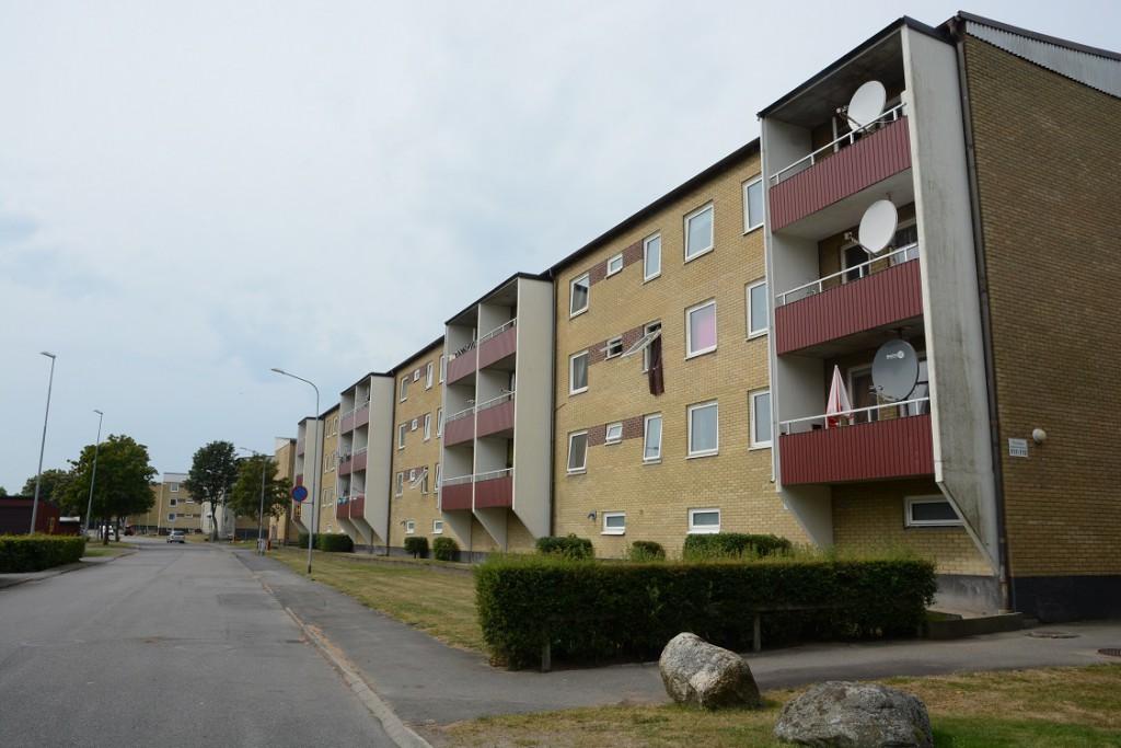 Hässlehem nekar utsatta personer att hyra lägenhet i väntan på att samarbetsavtalet undertecknas, här Gärdesvägen i Hässleholm. Foto: Berit Önell