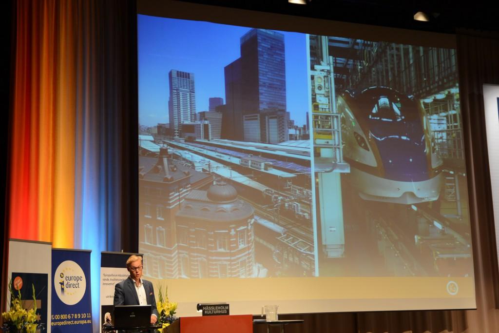 John Hultén, forskare i kollektivtrafik, föreläste om höghastighetståg. Foto: Berit Önell