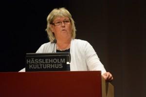 Lena Wallentheim blev upprörd över att Douglas Roth ifrågasatte tekniska nämndens delegation.