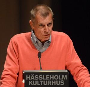 """Björn Widmark och Folkets väl vill satsa hela 45 miljoner extra på omsorgen och vinner därmed """"tävlingen"""" om vem som ger mest till nämnden som har svårast att få ihop ekonomin. Foto: Urban Önell"""