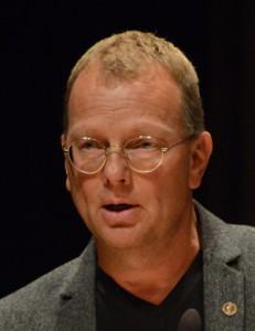 Thomas Rasmusson (S), ordförande i omsorgsnämnden, hoppas att timbankstid för personalen ska lösa en del av omsorgens problem. Foto: Urban Önell