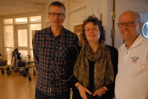 Ortopeden Mårten Steen, anhörigstrategen Stina Lindén och distriktssköterskan Håkan Forsberg medverkade när Anhörigforum inleddes med en föreläsning om benskörhet. Foto: Urban Önell