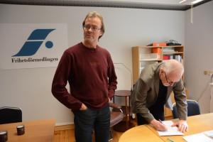 Anders Lord blev den första kunden hos Frihetsförmedlingen och fick ett frihetstillstånd av Lars Noväng.