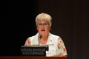Socialnämndens ordförande Lena Nilsson (S) förklarar att alla planerade boenden för ensamkommande barn nu blir hemliga. Foto: Urban Önell