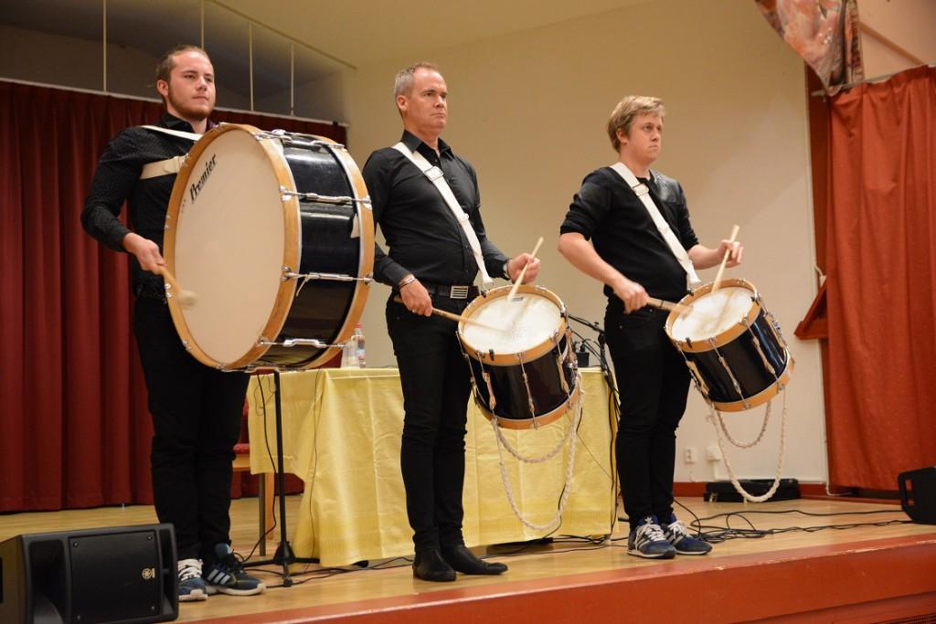 Anhörigdagen avslutades med en imponerande trumshow av från vänster Kevin Obers, Jörgen Grahn och Marcus Svensson.