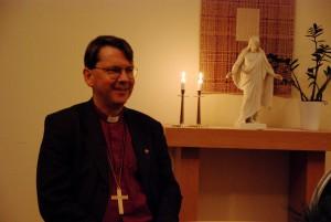 Biskop Johan Tyrberg kom hem till sin barndomsby när han besökte Tyringe på onsdagskvällen. Foto: Urban Önell
