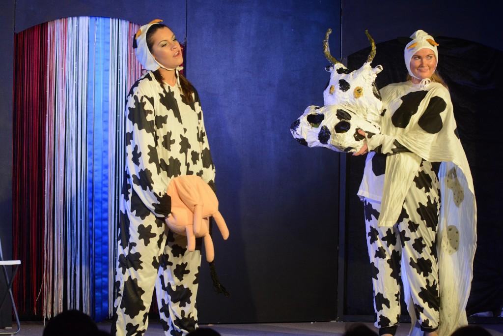 Den som vill ha mjölk får skaffa egen ko när gårdarna lagt ner.