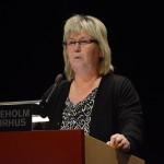 Kommunstyrelsens ordförande Lena Wallentheim (S) tänker sitta kvar, trots att det var den borgerliga alliansens budget som klubbades igenom på måndagens fullmäktige. Foto: Urban Önell