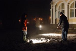 Evert Storm, Peter Alf och Leif Henningsson placerade ut strålkastarna på lämplig plats.