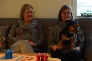 Annelies hund Emma är populär på Solhaga.