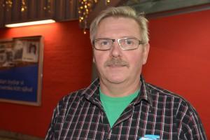 Butikschefen Arne Henrysson är fortfarande bekymrad, men tycker att situationen lugnat ner sig sedan bråket mellan tiggarna för några veckor sedan.