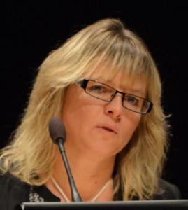 Åsa Erlandsson (SD) röstade nej till att lägga hela dagverksamheten för dementa i Bjärnum.