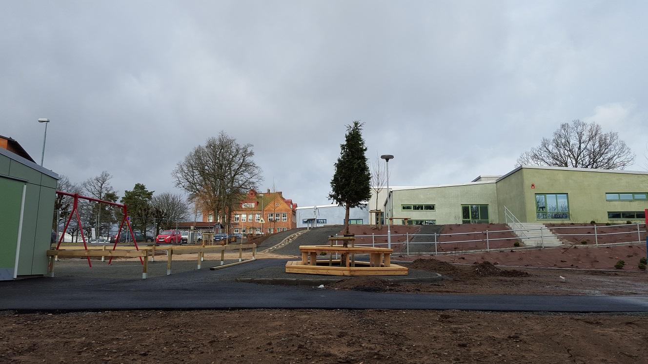 På fredag ska provtagningar av misstänkta föroreningar börja i marken vid förskolan i Bjärnum. Tio hål på två och en halv meter djup ska borras upp. Foto: Lennart Nilsson