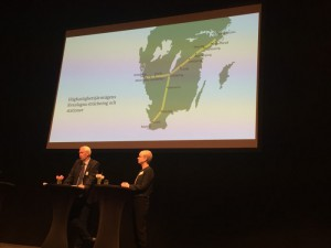 Sverigeförhandlarna HG Wessberg och Catharina Håkansson Boman presenterade föreslagen sträckning och stationslägen för höghastighetstågen.