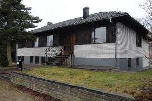 Villan ligger på Stambanegatan och har stora utrymmen där ett HVB-hem med åtta platser kan få plats. Foto: Berit Önell