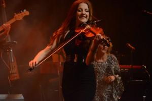 Jannike Stenlund, känd också som Hasse Anderssons violinist, framträdde som soloartist.
