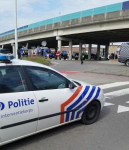 Flygplatsen stängdes snabbt och det var poliser överallt. Foto: Hasse Bengtsson