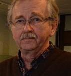 Lars Olsson (C ) tror inte att det är lönt att återställa den skadade musikpaviljongen.