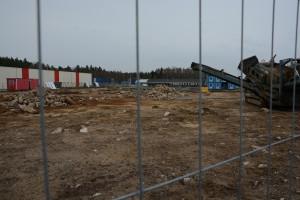 Saneringen av den förorenade före detta KAABS skrotfirma har stått still i väntan på köpeavtalet. Foto: Berit Önell