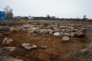 Föroreningarna syns i marken och saneringen pågår fortfarande på den cirka 7 000 kvadratmeter stora tomten. Foto: Berit Önell