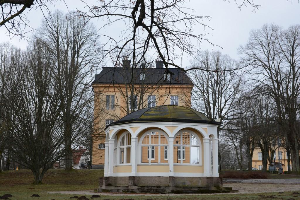 Kommunens tekniska förvaltning ansöker nu om rivningslov och bygglov för att flytta musikpaviljongen från Officersparken. Foto: Berit Önell