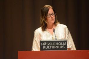 Cecilia Tornerefelt ansåg det olämpligt att delegera beslut om nya flyktingavtal från fullmäktige till kommunstyrelsen.