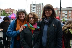 På plats under Kulturskolans dag var även Kulturskolans vänner, för att informera om sin verksamhet. Från vänster föreningens ordförande Stina Lindén, vice ordförande Kristina Lind och sekreteraren Anna Westberg.