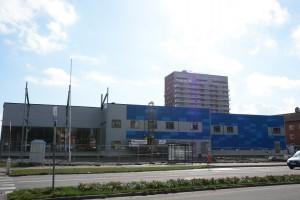 Citygrossbutiken växer fram vid Grönängsplan. Bilden är tagen i april när fasaden börjat få färg.