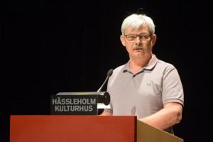 Valnämndens ordförande Christer Welinder berättade om hur granskningen av namnunderksrsifterna gick till. Foto: Urban Önell