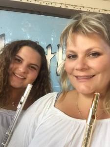 Både Nina Kristensson och dottern Emma spelar tvärflöjt i Röke Blås.