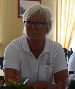 Lena Olsen har ringt runt till cirka 500 knallar för att få besked om att de verkligen kommer till Hästveda.