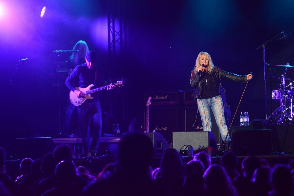 Bonnie Tyler och hennes musiker verkade ha roligt på scenen. Foto: Urban Önell