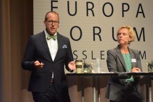 Vad gör digitaliseringen med oss? Hur hanterar vi den? Det var frågor som debatterades av Joakim Wernberg från Sydsvenska handelskammaren, Katarina Areskoug Mascarenhas, chef för Europeiska komissionens representation i Sverige,...