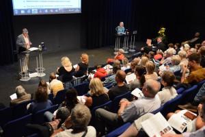 Ylva Nilsson var moderator för semiariet om den hotade pressfriheten där bland andra Otmar Lahodynsky från Österrike, ordförande i Association of European Journalists. Foto: Urban Önell medverkade.