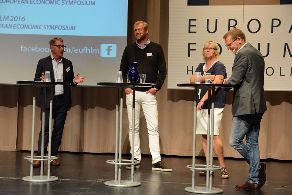 Vid seminariet om höghastighetståg medverkade från vänster peter Lund, bergendahls, Michael Stjernquist, Ikea, kommunstyrelsens ordförande Lena Wallentheim S) samt moderatorn Johan Hammarqvist, Eolus vind.