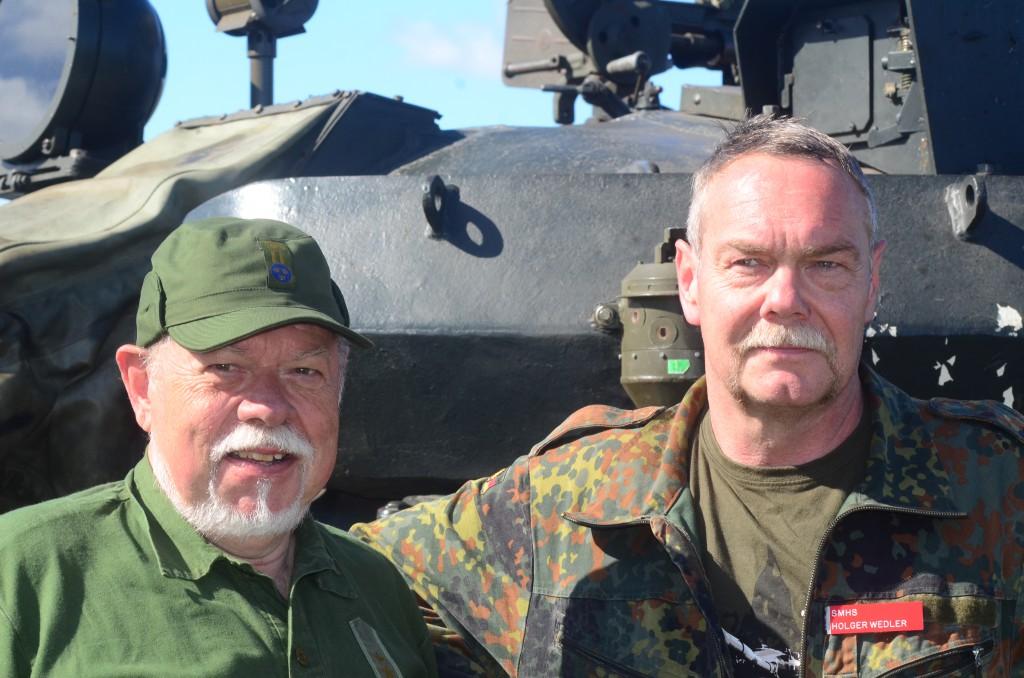 T-55:an som ägs av Smålands militärhistoriska sällskap kommer att finnas med i en ny thrillerserie som visas av Svt under våren 1917. Det avslöjar Mats Nässert och Holger Wedler. Foto: Urban Önell