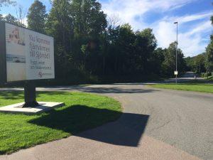 Fjärrvärme i Sjörröd har hittills bara tecknats av tio hushåll, men utbyggnaden fortsätter.