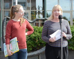 Malin Svensson, till vänster, och Carolina Carlsson ledde manifestationen.