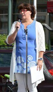 Vårdläraren Anna Pålsson har mött många som slutat inom vården eller blivit sjukskrivna redan ett år efter utbildningen.