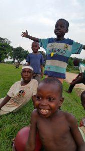 Fotboll i Semendua. Det språket fungerar alltid.