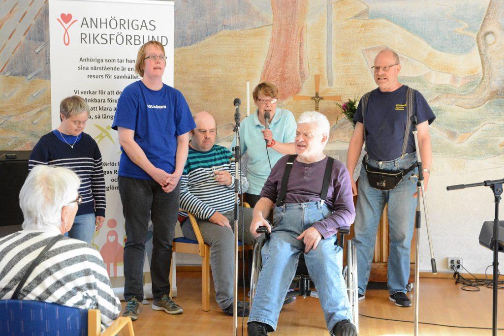 Både Glädjespridarna och Solkören medverkade med sång och musik.