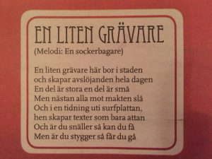 Tidningen Journalistens julnummer innehåller ett antal specialskrivna sånger, bland annat denna som väl skulle kunna vara tillägnad undertecknad och andra granskande journalister.