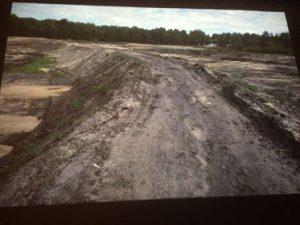 Kommunen byggde ett tiotal slamdammar för muddringsmassor från Finjasjön på 1980-talet.