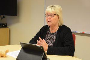 Lena Wallentheim ledde kommunstyrelsens arbetsutskott för sista gången på onsdagsförmiddagen. Foto: Berit Önell