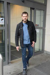 Michael Strömberg, ordförande i SD i Hässleholm, är en av sex sverigedemokrater som lämnar alla sina uppdrag i Hässleholms kommun i protest mot hur avslöjandena kring Ulf Erlandsson hanterats.