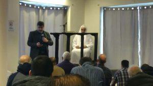Seyhmus Filiz är imam i Ljusets moské idag. Han ser inget problem med att styrelsemedlemmarna delar hatpropaganda på Facebook.