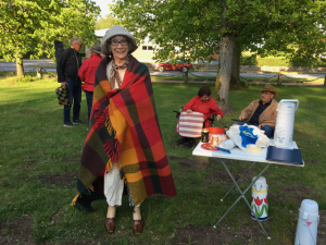 Victoria Pehrsson och andra aktivister manifesterade i Officersparken.