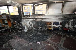 Mordbranden orsakade stora skador i den shiamuslimska lokalen i Malmö. Foto: Polisen