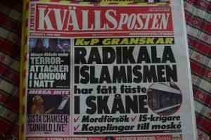 Frilagts granskning av den radikala islamismen upptar större delen av Kvällspostens förstasida idag. Foto: Urban Önell
